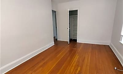 Living Room, 101-19 Ascan Ave, 1