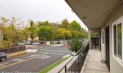 Building, 1947 Oregon St, 2