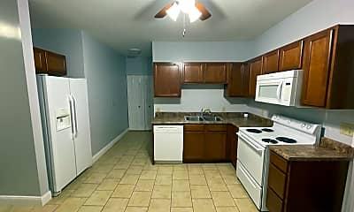 Kitchen, 1518 N Harrison St, 2