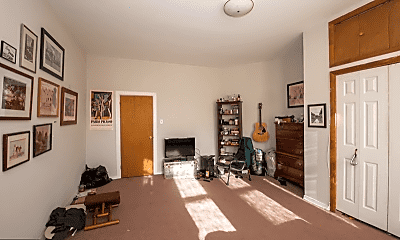 Living Room, 787 N 27th St, 2