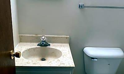 Bathroom, 3226 Parklane Dr, 1