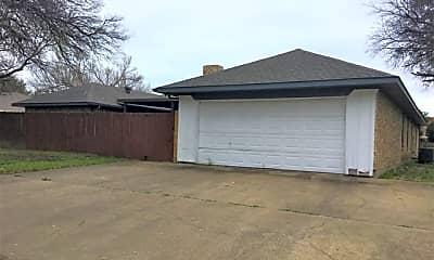 Building, 3904 Parkhaven Drive, 2