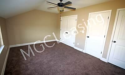 Bedroom, 512 N Foxridge Dr, 1