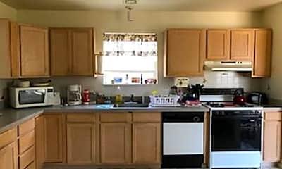 Kitchen, 1304 Vardon Rd, 1
