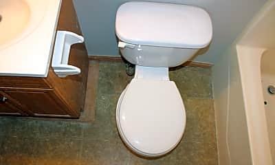 Bathroom, 501 Vilas A, 2