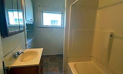 Bathroom, 1134 Ellis St, 2