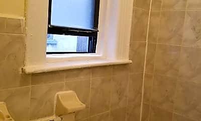 Bathroom, 378 Montgomery St, 2