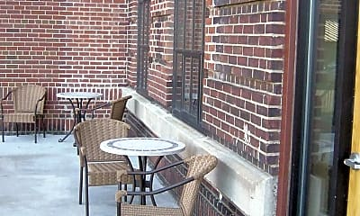 Patio / Deck, 3030 E 63rd St, 2