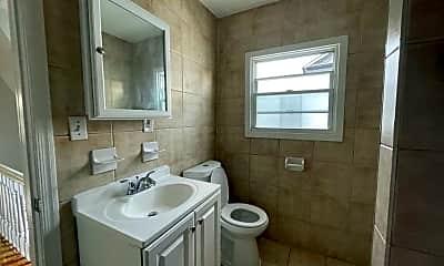 Bathroom, 90 Shepard Ave, 2