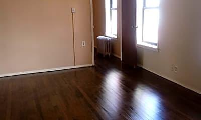 Living Room, 835 W Mitchell St, 1