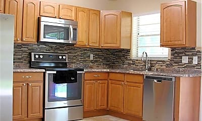 Kitchen, 114 Banyan Cir, 1
