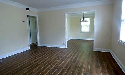 Living Room, 935 Landon Ave 2, 1
