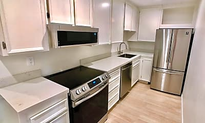 Kitchen, 701 Los Felices Cir N, 0