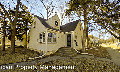 Building, 731 Bluemont Ave, 1