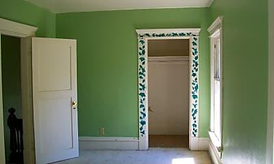 Bedroom, 519 E Ivy St, 1