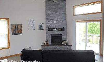 Living Room, 2018 Stratford Ct, 0