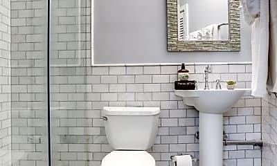 Bathroom, 413 2nd St SE, 2