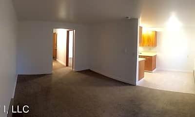 Living Room, 4001 NE 50th St, 1