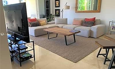 Living Room, 705 Crandon Blvd, 1
