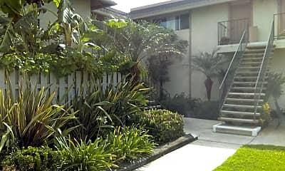 R & B Acacia Apartments, 2