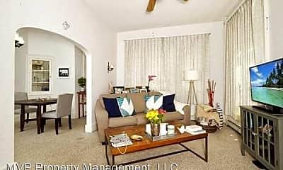 Living Room, 101 9th St S, 0