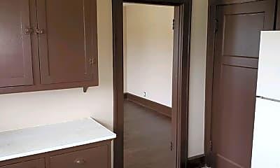 Bathroom, 2047 Logan Ave, 1