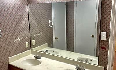 Bathroom, 2605 Windmill Dr, 2