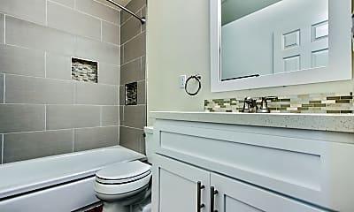 Bathroom, The Hideaway, 2
