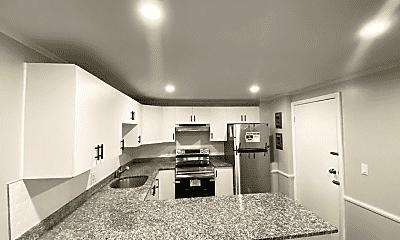 Kitchen, 520 Talbot Ave, 1