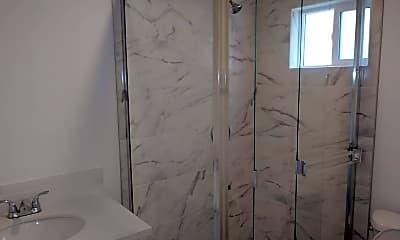 Bathroom, 2706 W 74th St, 2