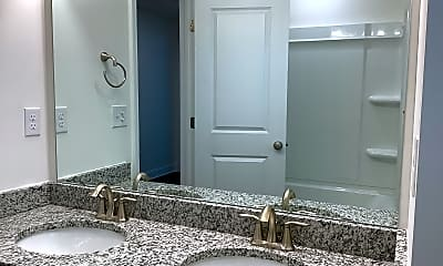 Bathroom, 175 Twin River Drive, 2