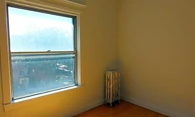 Bedroom, 668 W Sheridan Rd, 1