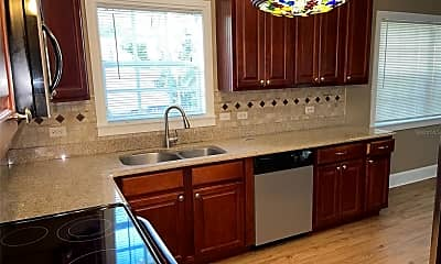 Kitchen, 1124 Elmwood St, 1
