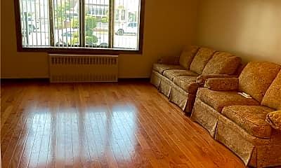 Living Room, 95-15 156th Ave 1FL+B, 1