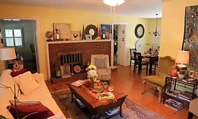Living Room, 100 Dogwood Dr, 1