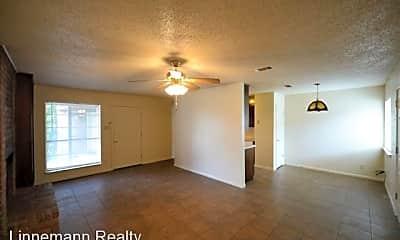 Living Room, 2225 Wheeler Ave, 1