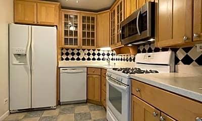 Kitchen, 2100 Valencia Dr 300, 1