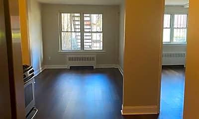 Living Room, 1136 E 214th St 1, 0