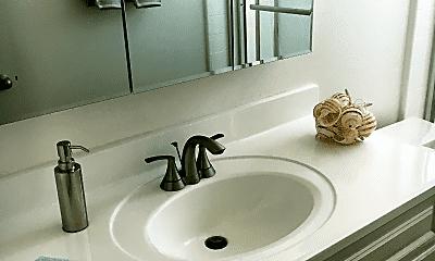 Bathroom, 800 Meyer Ln, 2