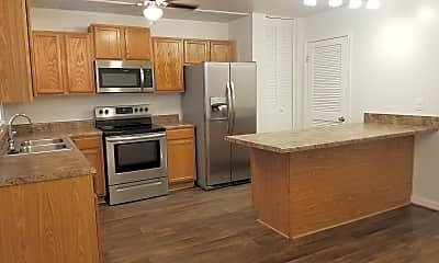 Kitchen, Hampstead Heath Apartments & Townhomes, 0