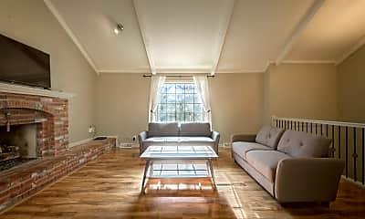 Living Room, 10442 Noland Rd, 0