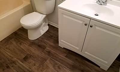 Bathroom, 1914 S N St, 1