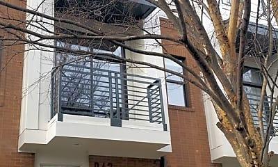 Building, 942 E 8th St, 0