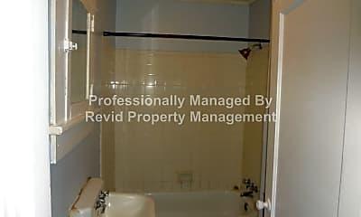 Bathroom, 3604 Douglass Ave, 2