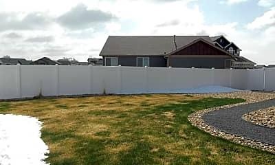 yard.jpg, 6160 Carmon Ct., 2