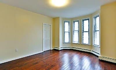 Bedroom, 809 Saratoga St, 1