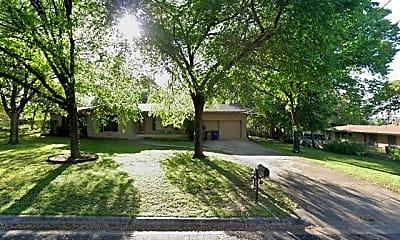 Building, 11904 N Oaks Dr, 2