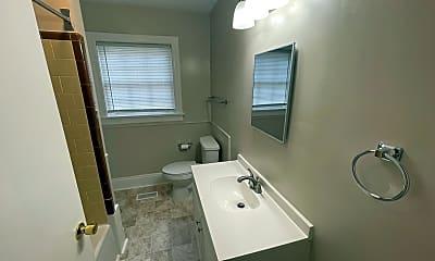 Bathroom, 513 Magnolia Dr, 2
