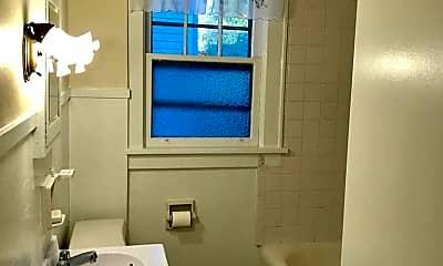 Bathroom, 1506 N Webster Ave, 2