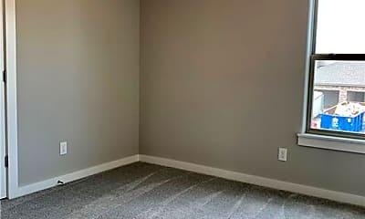 Bedroom, 551 Vee St, 2